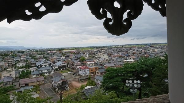 丸岡城 2階窓からの風景