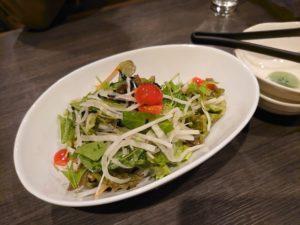 塩昆布ドレッシングの野菜サラダ