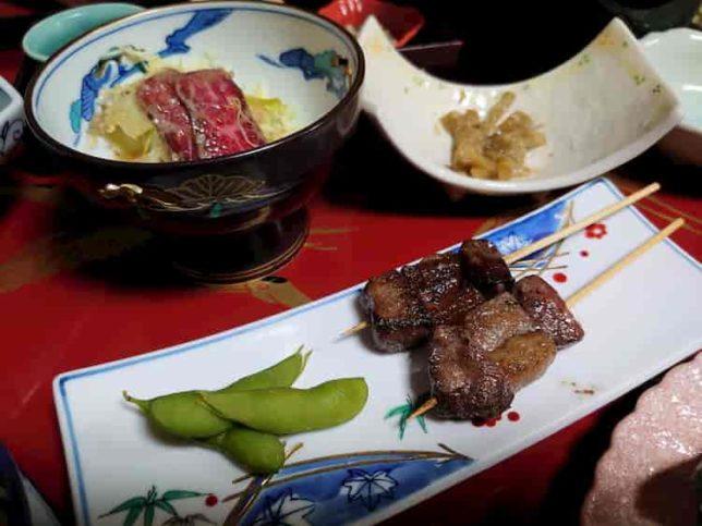 霧氷館夕食 飛騨牛御膳つづきの飛騨牛の串焼き