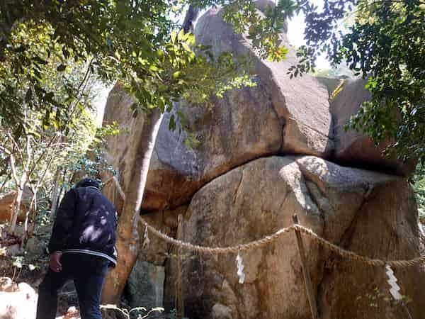 越木岩神社のご神体