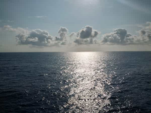 フェリーから眺める日本海